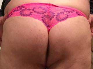 Just slipped on a pair of my favorite sexy lacy girlie panties;)