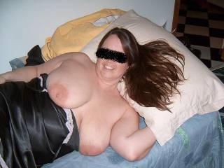 hey move over darling I'm sure there's room for a little un in there ..(Mrs MNDUK) ... such a hot hot sexy lady x