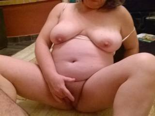 Wife play pussy