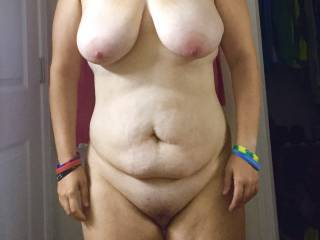 What a sexy body , lovely big tits, nice natural belly and big pussy mound , so gorgeous !