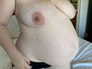 So pregnant about to pop. Who want to rub and suck my big milky titties?