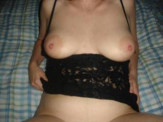 wife showing her tits