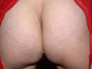 so badly love to taste between your cheeks.... deep between them, mmm
