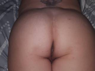 Wife wants to dress sexy for other men to see and touch