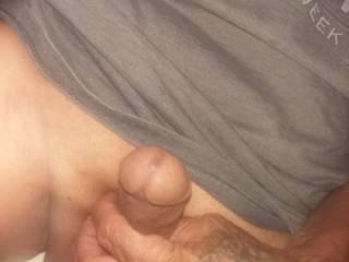 So horney need a lil bit suckin tasin enjoyin thick cock n warm pussy