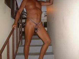 mmmm lets meet lookin to suck my first cock