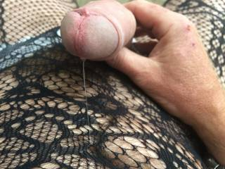 very hot pic love the precum dripping love to be there to tease that huge cock till you squirt in my mouth.