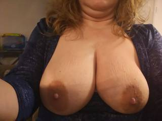 Showing off my big tits
