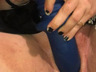 Stretching my pussy with toy I wish someone would come and stretch me with there hard cock I'd there any on available