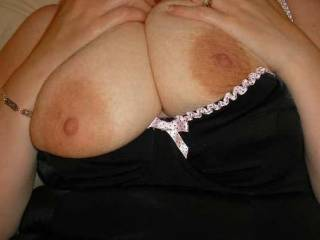 it is no big deal to make enchanted comments when getting such pleasing views! :-) Mrs.s tits are so gorgeous, I deff loved to suck on them!!