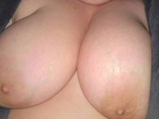 Would LUV to suck and play with your tits while your hubby sucked my cock