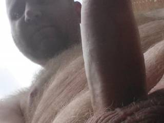 if i could i'd be there right away to suck on them meaty hairy balls while slow stroking that thick shaft .. afternoon delight!!!