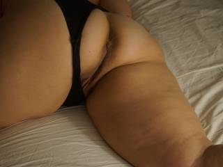 First I would love to let my tongue explore that gorgeous crack ... and both holes