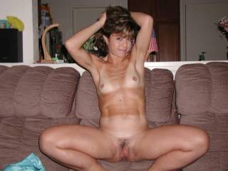 Maria loves to pose naked for you