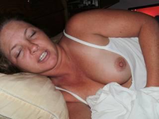 mmmmmmmm I'd love to give her my cock to suck!