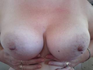 such beautiful tits I would love to see my cum dripping of them x