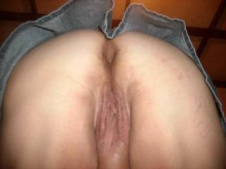 wow now theres a hot shot  would love to pound that ass and dumpa load in you or on that ass  mmmmm