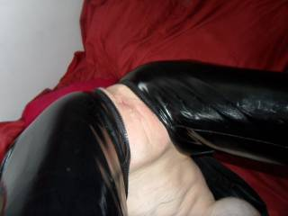 I like ur position! its fine and interesting! i just want riding u at this position, but backworth! so u can enjoy it really good an deep! It will be best too for my dick!