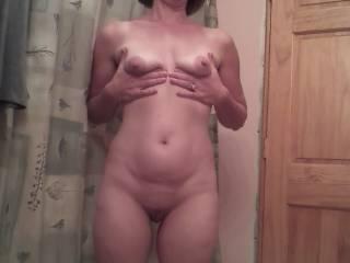 U guys think she got big nipples?