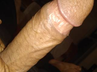 Who down for some eating sucking and fucking  hit me up...