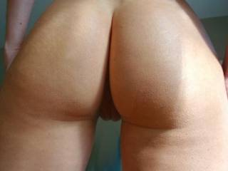 Holy SMOKE, love offer pussy n ass my TONGUE COCK N CUM -o__o-