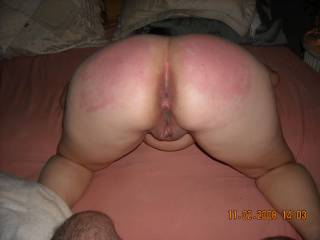 HOPE YOU AND HER ENJOY YOUR PLAY TIME ESPECIALY THE GEORGIOUS LOOKING CUM BUCKET SHE IS JELUIOUS ITS NOT ME GETTING THE TREATNENT BUT WELL I REALY ENJOYED MY LITTLR VISIT GREAT PICS CHEERS XXXXXXXXXXXXXALL OVER HER