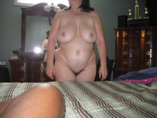 holy fuck that is a nice looking woman! LOVE those curves! My cock is throbbing wishing I could get me some of her