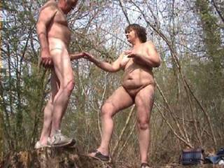Nice pic, out doors, i would love to cummm and join in the fun, outdoors naked and natural, wonderful.