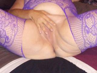 Looking good lady in the lingerie playing with her pussy