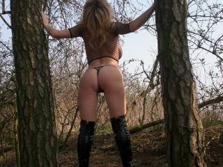wish i was walking through the woods and found her