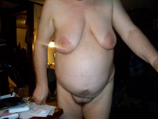 Mmm sexy belly sexy pussy and sexy tits u make me so horny
