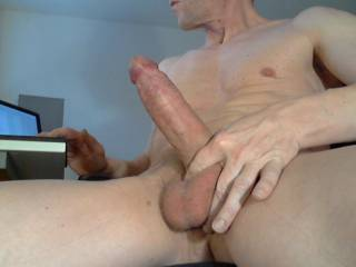 I love to broadcast me live wanking and cumming. This is a snapshot of one of my sessions. :-)