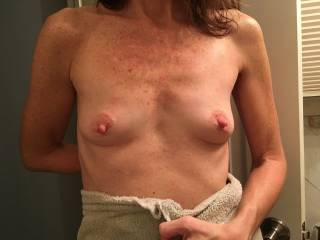 Fresh out of the shower - would you like to cum all over her nipples?