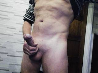 So horny need to feel a nice hot mouth round my cock