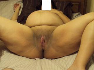 Would luv to pump that preggo pussy full of cum.