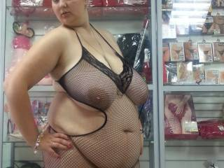 Love those huge fat udders and big sexy belly...fantastic !