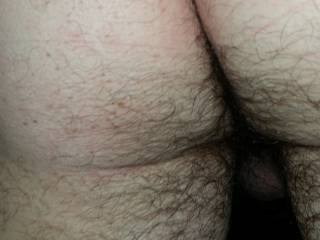 im lubing up my strap on and hubbys cock now