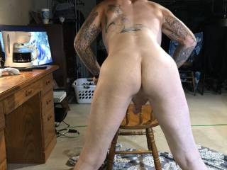 Who likes this ass? Anybody wanna see panties on it with a toy shoved deep inside? Give me some likes and good comments and I'll post pics and videos of me having fun all the way to the finish and I promise u will like the end!!