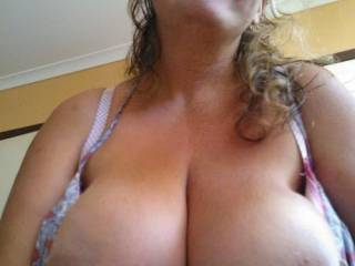 I would absolutely love to suck on those gorgesou boobs and nipples...  You would have to pry me off of them...